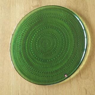 イッタラ(iittala)の入手困難 iittala カステヘルミ ディープグリーン 31.5 プレート(食器)