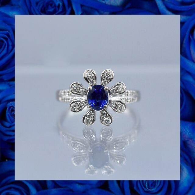 フラワーモチーフ サファイアリング pt900 プラチナ リング 指輪 レディースのアクセサリー(リング(指輪))の商品写真