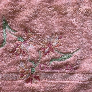Dior - Dior ハンドタオル ピンク 刺繍美しい