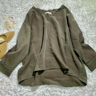 エニィスィス(anySiS)のエニィスィス オーバーシャツ フレア モスグリーン ゆったりシルエットのブラウス(シャツ/ブラウス(長袖/七分))