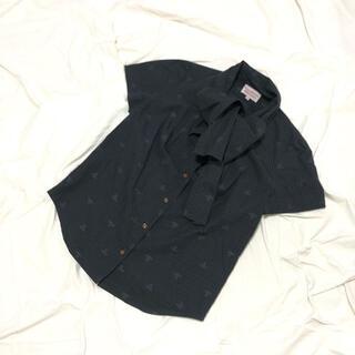 ヴィヴィアンウエストウッド(Vivienne Westwood)のヴィヴィアンウエストウッドレッドレーベル オーブ柄 ボウタイシャツ(シャツ/ブラウス(半袖/袖なし))