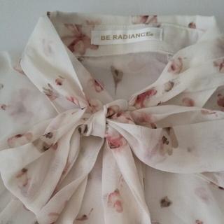 ビーラディエンス(BE RADIANCE)のBE RADIANCE 花柄シアーシャツ(シャツ/ブラウス(長袖/七分))