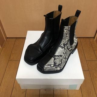 JOHN LAWRENCE SULLIVAN - magliano moster Chelsea boots