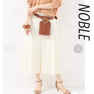 ノーブル(Noble)のタックプリーツキュロット 36(ひざ丈スカート)