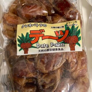 デーツ 適度の乾燥 保存料甘味料無添加 種あり 180g袋入り 4袋セット(フルーツ)