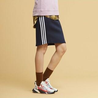 アディダス(adidas)の定6589円Web限定!アディダスマストハブ フェミニン新品ストレッチスカート(ひざ丈スカート)