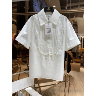 シャネル(CHANEL)のCHANEL 刺繍 パール付きシャツ(シャツ/ブラウス(長袖/七分))