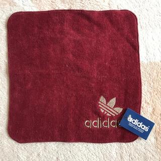 アディダス(adidas)の新品タグ付き☆アディダス ミニタオル(ハンカチ/ポケットチーフ)