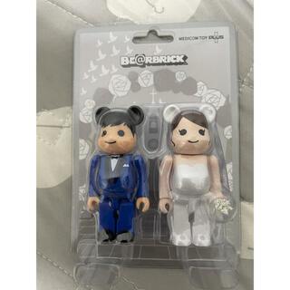 メディコムトイ(MEDICOM TOY)のBE@RBRICK グリーティング結婚 4 PLUS 100%(キャラクターグッズ)