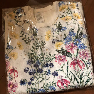 ダブルスタンダードクロージング(DOUBLE STANDARD CLOTHING)のSov. / ダブルスタ/フラワープリントスパンコールトップス  (Tシャツ/カットソー(半袖/袖なし))