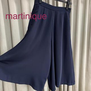 マルティニークルコント(martinique Le Conte)の美品 マルティニーク  上質 シンプル 贅沢な布使い フレアパンツ(カジュアルパンツ)