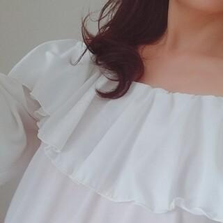デュラス(DURAS)の裾ブラウジングフリルトップス(シャツ/ブラウス(長袖/七分))