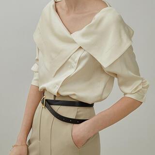 ステュディオス(STUDIOUS)のchuclla【UNSPOKEN】Big lapel blouse (シャツ/ブラウス(半袖/袖なし))