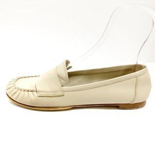 シャネル(CHANEL)のシャネル レディース - G27866 ベージュ(ローファー/革靴)