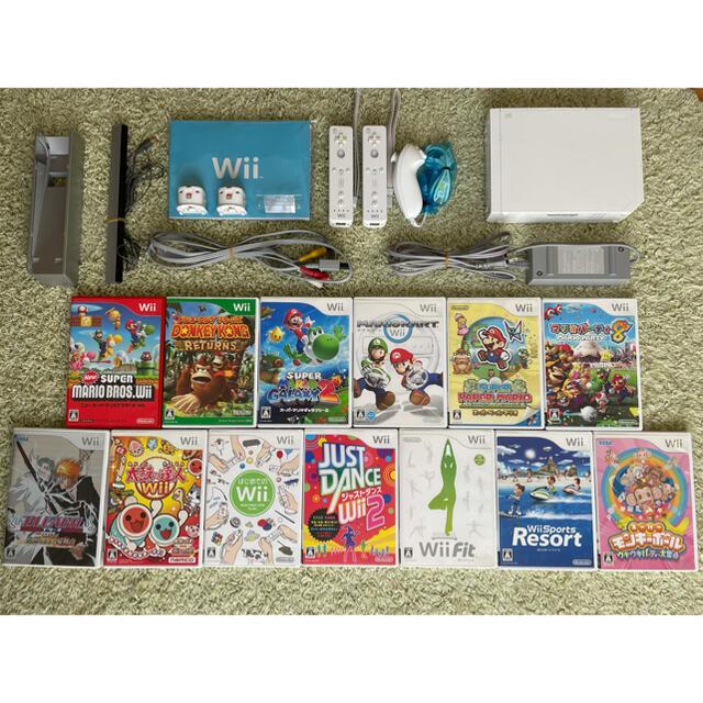 Wii(ウィー)の[本体+ソフト14本] 二人で遊べる Wiiセット スーパーマリオ エンタメ/ホビーのゲームソフト/ゲーム機本体(家庭用ゲーム機本体)の商品写真