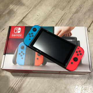 ニンテンドースイッチ(Nintendo Switch)のニンテンドー Switch スイッチ ネオン 旧型(家庭用ゲーム機本体)