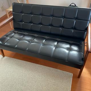 カリモクカグ(カリモク家具)の極美品 カリモク60 kチェア 2シーター ブラック(二人掛けソファ)
