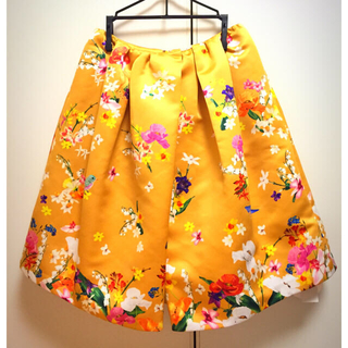 チェスティ(Chesty)の伊勢丹限定カラー💓小鳥さんスカート(ひざ丈スカート)