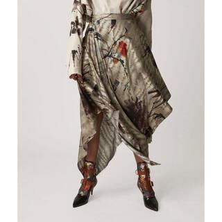 ヴィヴィアンウエストウッド(Vivienne Westwood)の緑色経済 ロングスカート(ロングスカート)