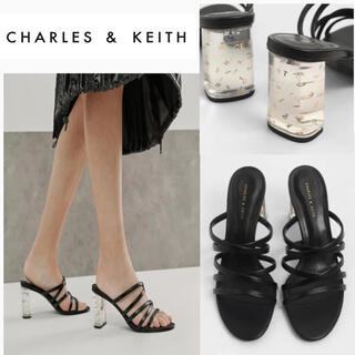 チャールズアンドキース(Charles and Keith)の今季【新品】CHARLES & KEITH ルーサイトヒールストラッピーミュール(サンダル)