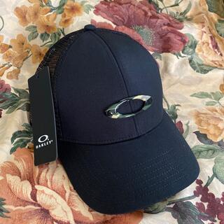 オークリー(Oakley)のOAKLEY メッシュ CAP BLACK(キャップ)