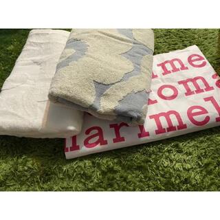 marimekko - マリメッコ  marimekko バスタオル 新品 二枚セット 紙袋付き