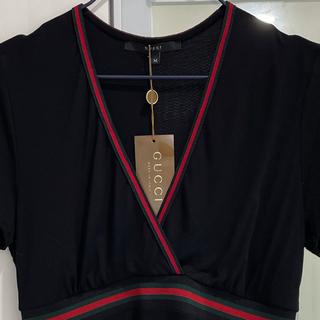 グッチ(Gucci)のGUCCI  カットソー  黒(カットソー(半袖/袖なし))