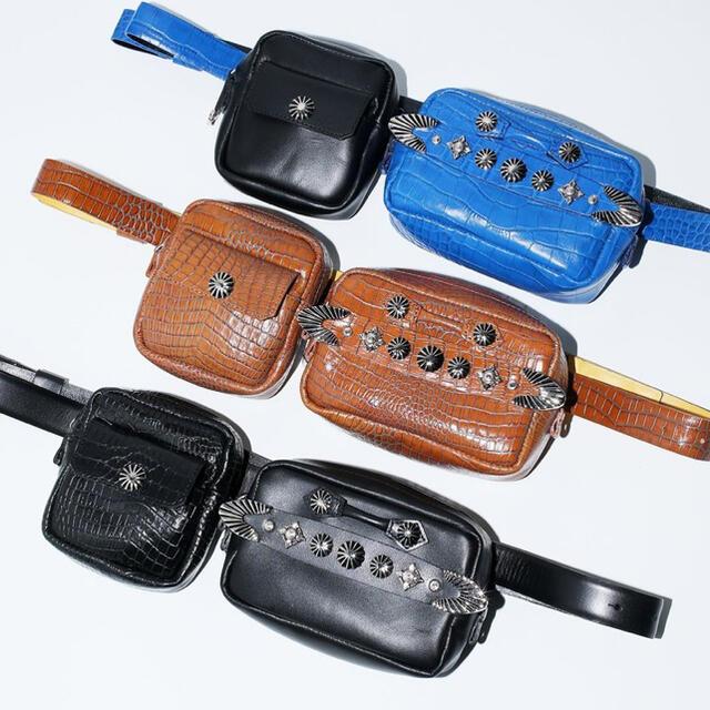 TOGA(トーガ)の【新品】TOGA VIRILS PULLA メタルコンチョ ボディーバッグ メンズのバッグ(ボディーバッグ)の商品写真