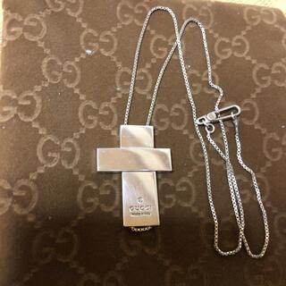 グッチ(Gucci)のクロスネックレス(ネックレス)