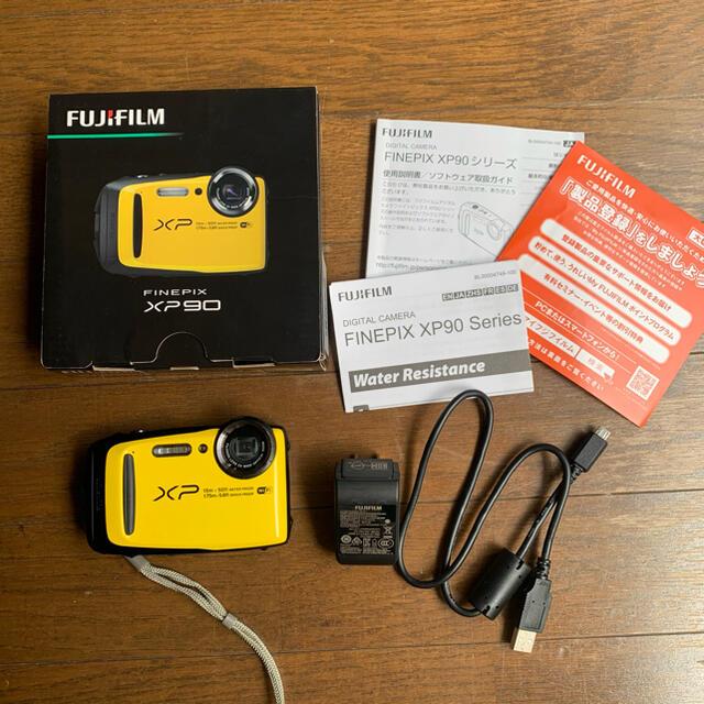 富士フイルム(フジフイルム)のFUJI FILM FinePix XP FINEPIX XP90 YELLOW スマホ/家電/カメラのカメラ(コンパクトデジタルカメラ)の商品写真