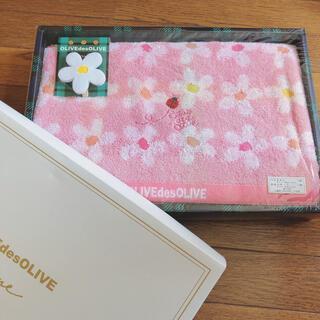 オリーブデオリーブ(OLIVEdesOLIVE)のオリーブデオリーブ ギフト バスタオル 花柄クリップ付き キュート(タオル/バス用品)