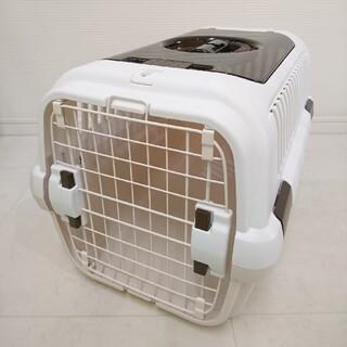 リッチェル(Richell)のリッチェル キャンピングキャリーダブルドア Mサイズ 小型犬・猫用 アイボリー(かご/ケージ)
