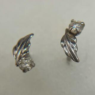 571 プラチナ900 羽モチーフ 一粒ダイヤモンドピアス PT900 高素材(ピアス)