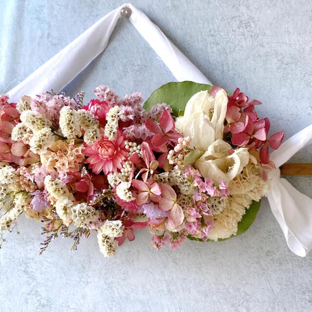 ドライフラワー White&pink 横長スワッグ ガーランド ハンドメイドのフラワー/ガーデン(ドライフラワー)の商品写真
