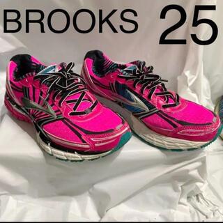 Brooks ブルックス 25 スニーカー 運動靴 蛍光 ランニング ピンク(シューズ)