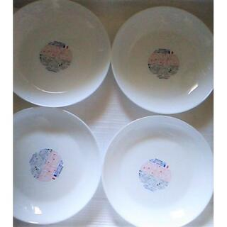 ヤマザキセイパン(山崎製パン)の新品★未使用21cm4枚ヤマザキ白い皿 強化ガラス丸皿 丸い皿 ディッシュ(食器)