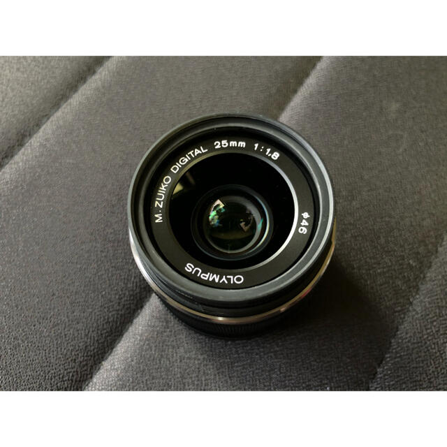 OLYMPUS(オリンパス)の【週末限定値下】OLYMPUS M.ZUIKO DIGITAL25mm F1.8 スマホ/家電/カメラのカメラ(レンズ(単焦点))の商品写真