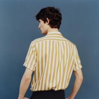 ルメール(LEMAIRE)の【UNIQLO and LEMAIRE】ツイルストライプシャツ Mサイズ(Tシャツ/カットソー(半袖/袖なし))