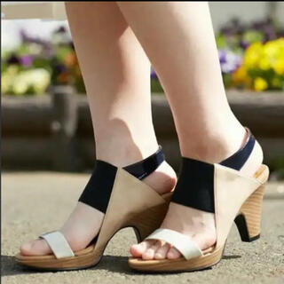 アルカリ(alcali)のalcali mie scarpe サンダル(サンダル)