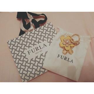 Furla - FURLA 花モチーフバッグチャーム
