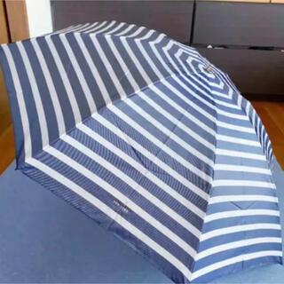 ケイトスペードニューヨーク(kate spade new york)の未使用品 ケイトスペード折りたたみ雨傘 ネービー(傘)