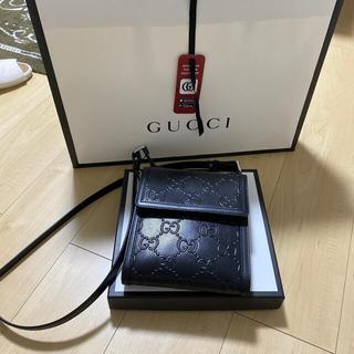 Gucci - GUCCI  バック ショルダーバッグ ブラック GG エンボス レザー