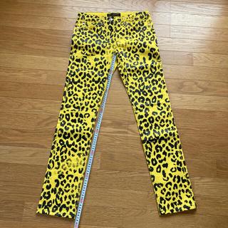 ジャンニヴェルサーチ(Gianni Versace)のヴェルサーチ かすれ加工レオパード柄パンツ サイズ26(その他)