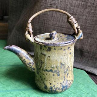 国内陶芸作家[土炎手釜]ウサギの取手の急須 ✳︎ 茶器 ✳︎手びねり焼き物 ✳︎(陶芸)