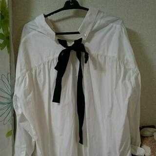アーバンリサーチ(URBAN RESEARCH)のリボンシャツ(シャツ/ブラウス(長袖/七分))