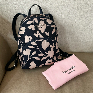 kate spade new york - 日本未入荷ケイトスペードのネイビー×ピンク花柄バックパック