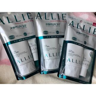 アリィー(ALLIE)の未開封✨アリィー限定サイズ付き3本セットアネッサObagiラロッシュポゼ(化粧下地)