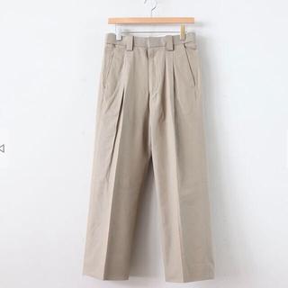 サンシー(SUNSEA)の最終価格 YOKE 20ss 1TUCK EASY TAPERED PANTS(スラックス)