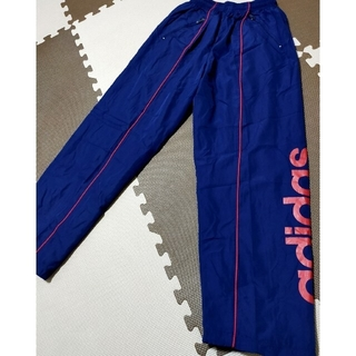 アディダス(adidas)の☆新品未使用 アディダス ウインドブレーカーパンツ 紺&赤ロゴ サイズM(ウェア)
