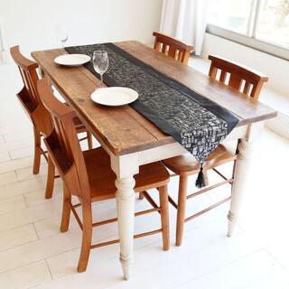 テーブルランナー タッセル付き(180×33cm, ブラック&シルバー)(ローテーブル)